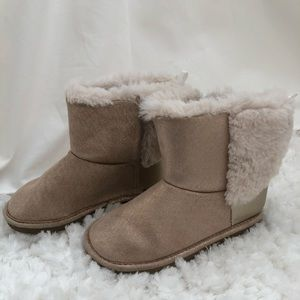 Girls winter boots with faux fur